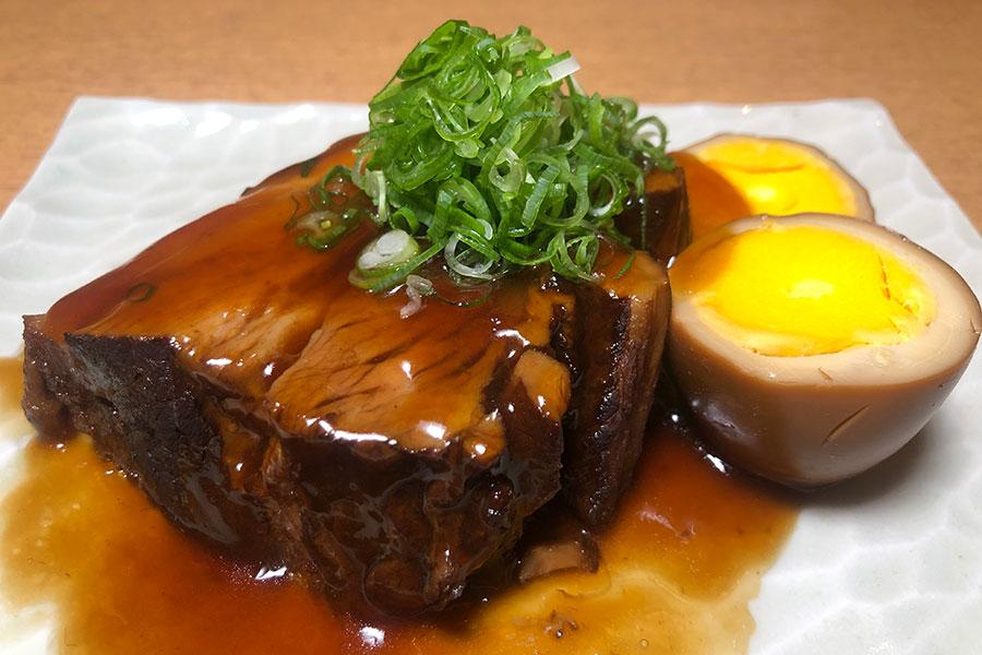 「懐石本多」の「特製 豚の角煮」(1400円)