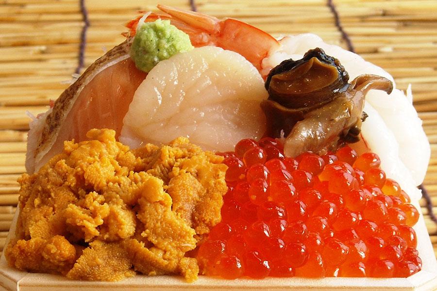 「今井商店」の「海宝弁当」(1500円)