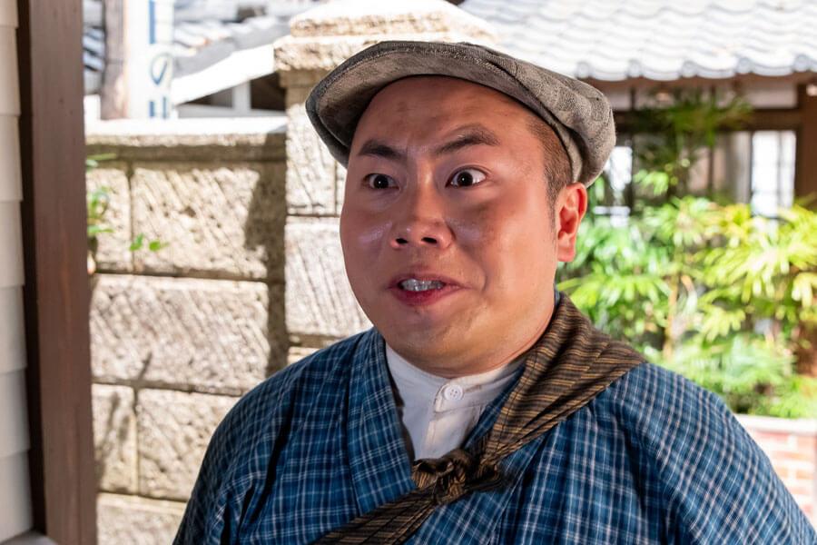 主人公・古山裕一に弟子にしてほしいと押しかけてきた五郎(岡部大)(C)NHK