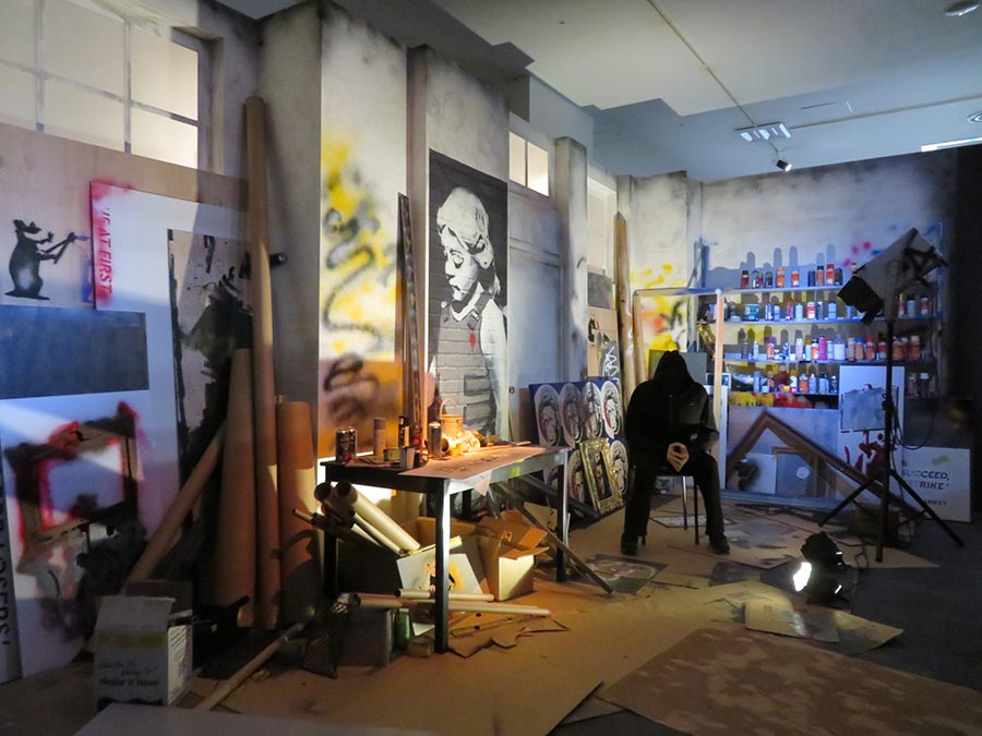 バンクシーのスタジオを再現したインスタレーション