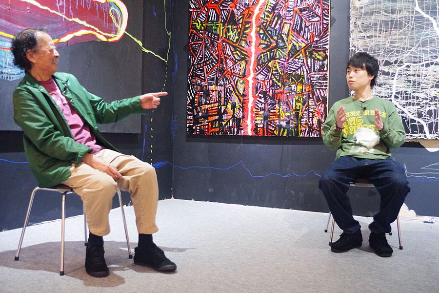 左から黒田征太郎氏と見取り図リリー