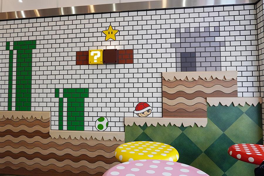 ヨッシーの卵やスーパーキノコなど、マリオの世界観を表した装飾がたくさん