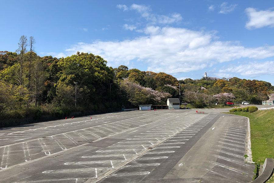 会場となる、元みさき公園の駐車場