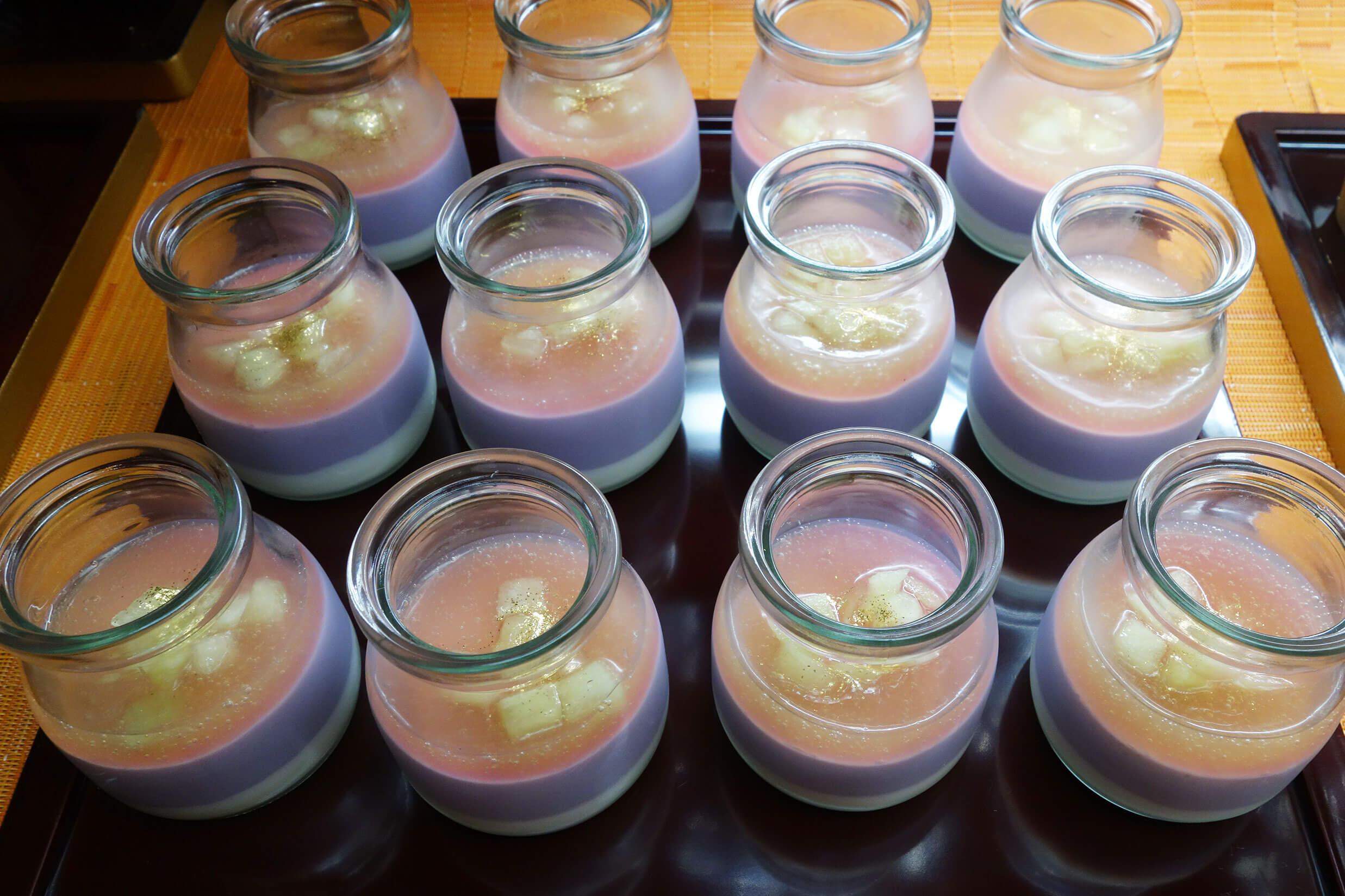 重ねられた層が美しい紫芋のプリン