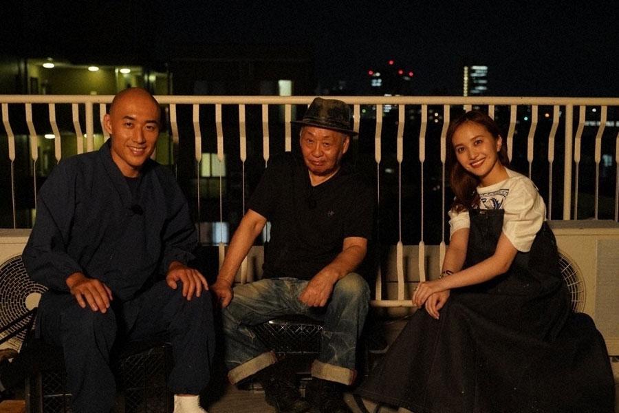 左から『魂のタキ火』のゲストに登場した松本紹圭氏、泉谷しげる、百田夏菜子(C)NHK