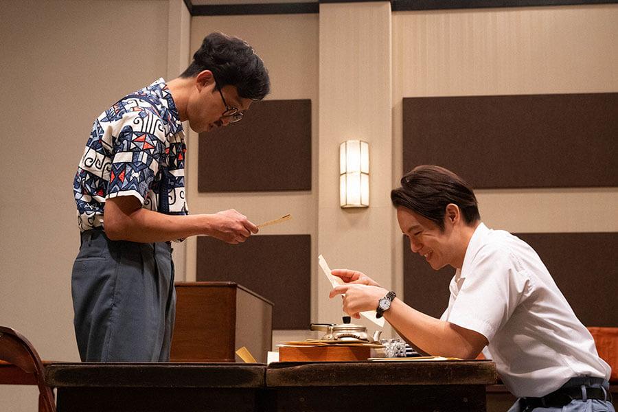 池田二郎(北村有起哉) と裕一(窪田正孝) (C)NHK