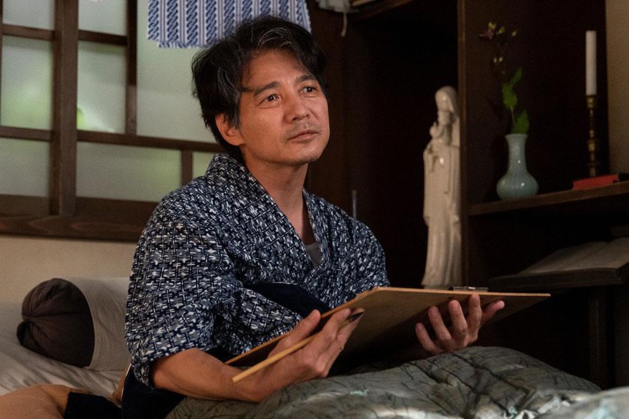 映画『長崎の鐘』の原作を執筆した永田武医師(吉岡秀隆) (C)NHK