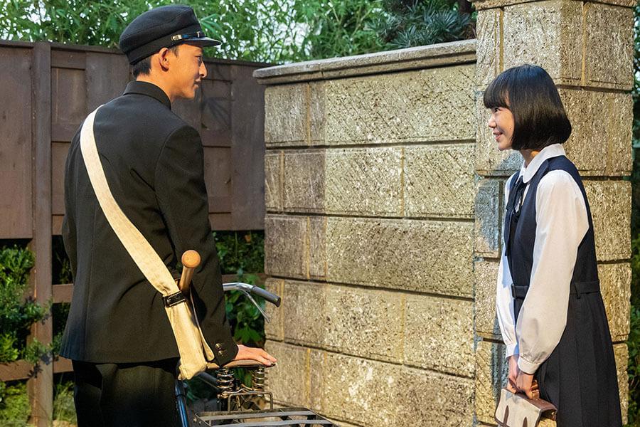 甲子園を目指す高校球児・竹中渉(伊藤あさひ)と裕一の娘・華(古川琴音) (C)NHK