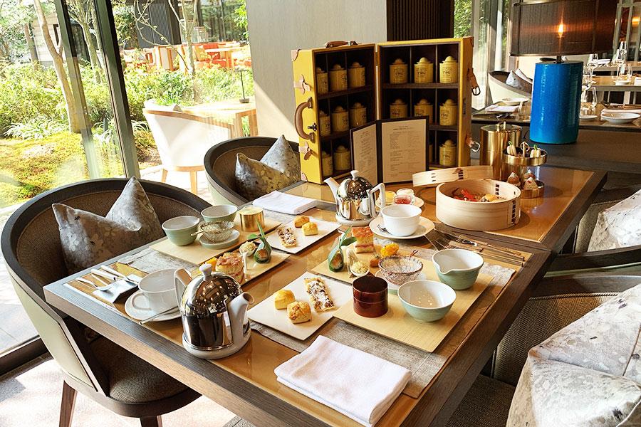「柳桜園」の玉露からはじまり、セイボリーやスイーツ、スコーン、TWG ティーセレクションの紅茶を楽しめるアフタヌーンティー4800円