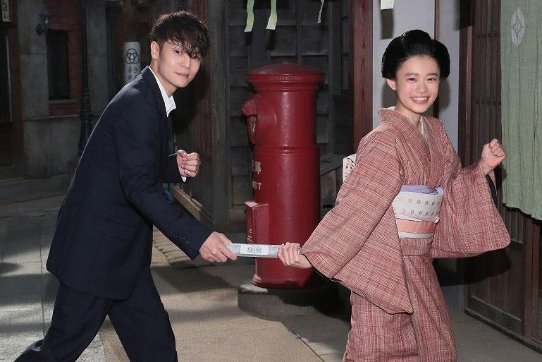 『エール』の主演・窪田正孝からヒロインのバトンを受けとった『おちょやん』の主演・杉咲花(11月19日、提供:NHK大阪)