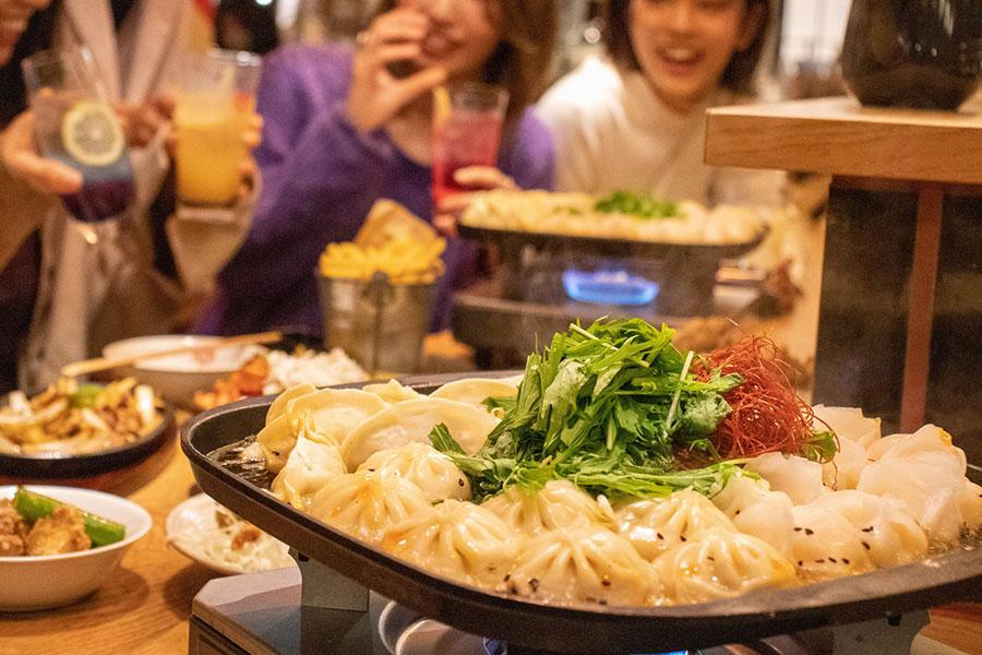 【炊き餃子 VS 焼き餃子】無限餃子食べ放題プラン