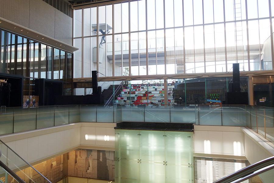 14階には、イベントスペースやギャラリー