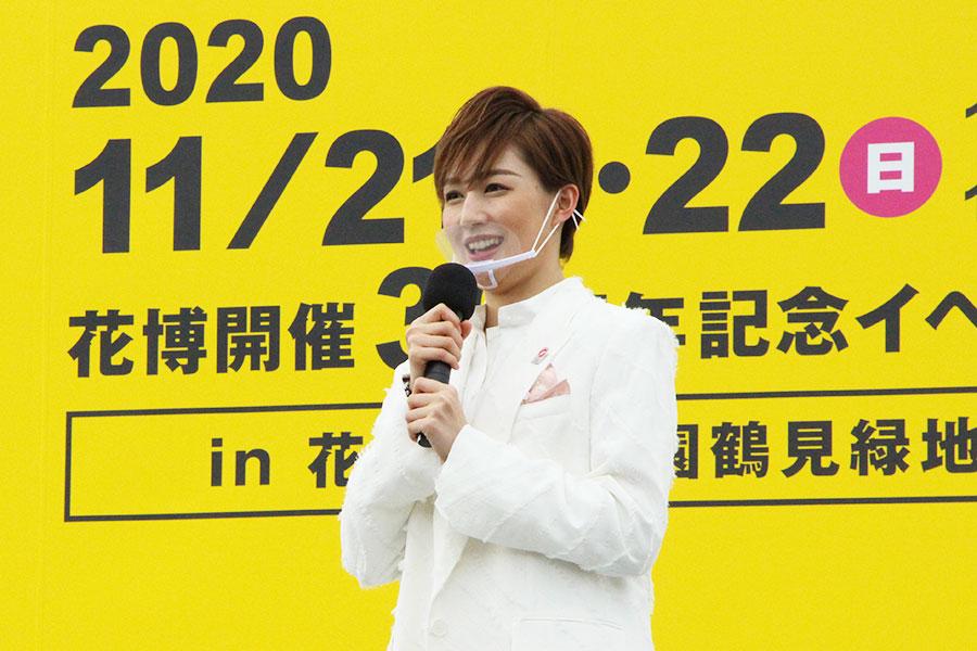 2021年に「宝塚バウホール」で初主演する聖乃は、「カンパニーを引っ張っていけるよう責任をもって取り組んでいきたいです」