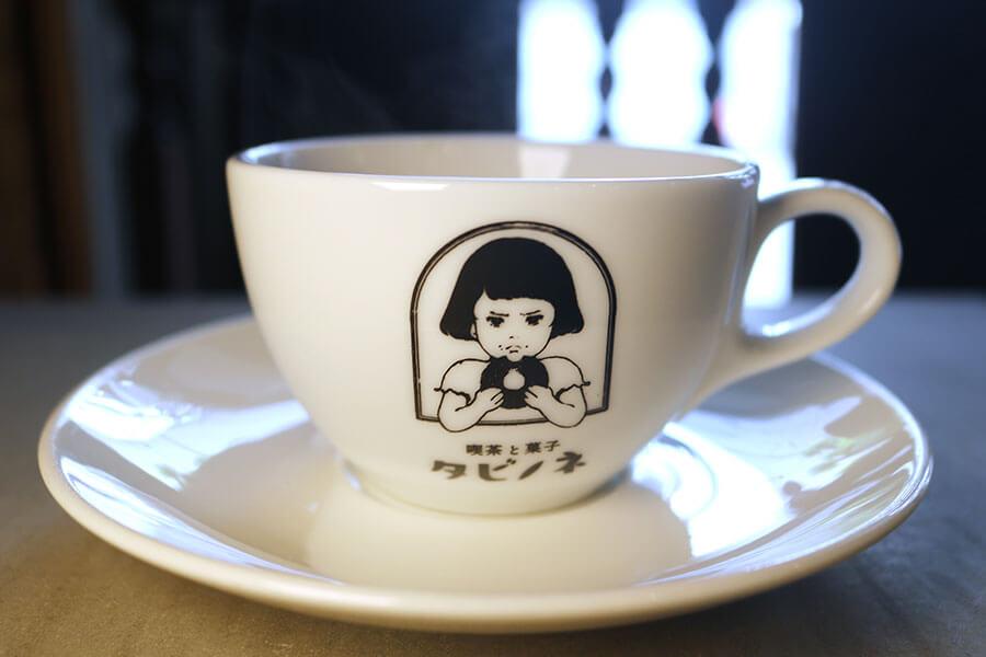 コーヒーカップにも、女の子のイラスト