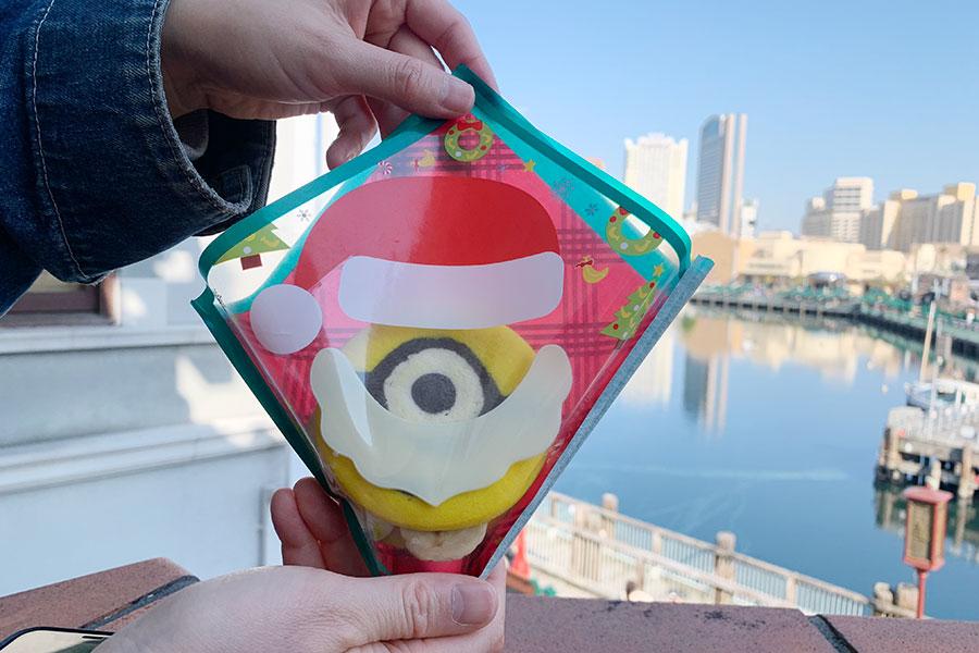 「クリスマス・ミニオン・クッキーサンド〜ホワイトチョコバナナ〜」(600円)