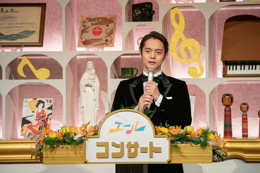 『エール コンサート』で司会を務める裕一を演じた窪田正孝 (C)NHK
