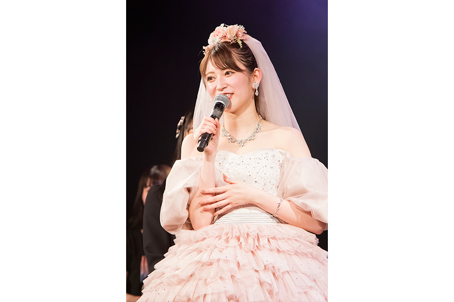 NMB48を卒業した吉田朱里(写真は卒業コンサートの模様) © NMB48