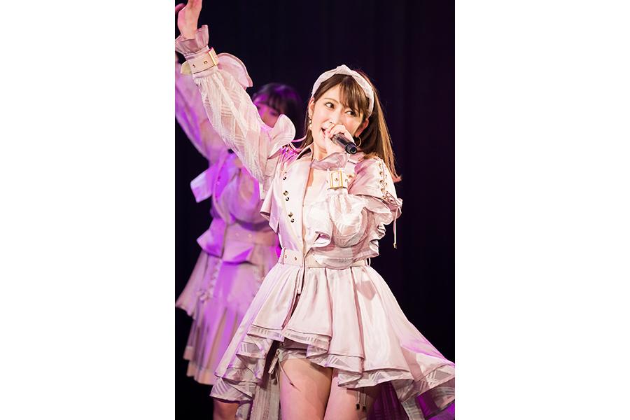 NMB48を卒業した吉田朱里(写真は卒業コンサートの模様)© NMB48