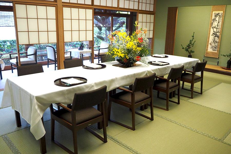 特別和室「松の間」4~10名用・本懐石を提供(要予約)