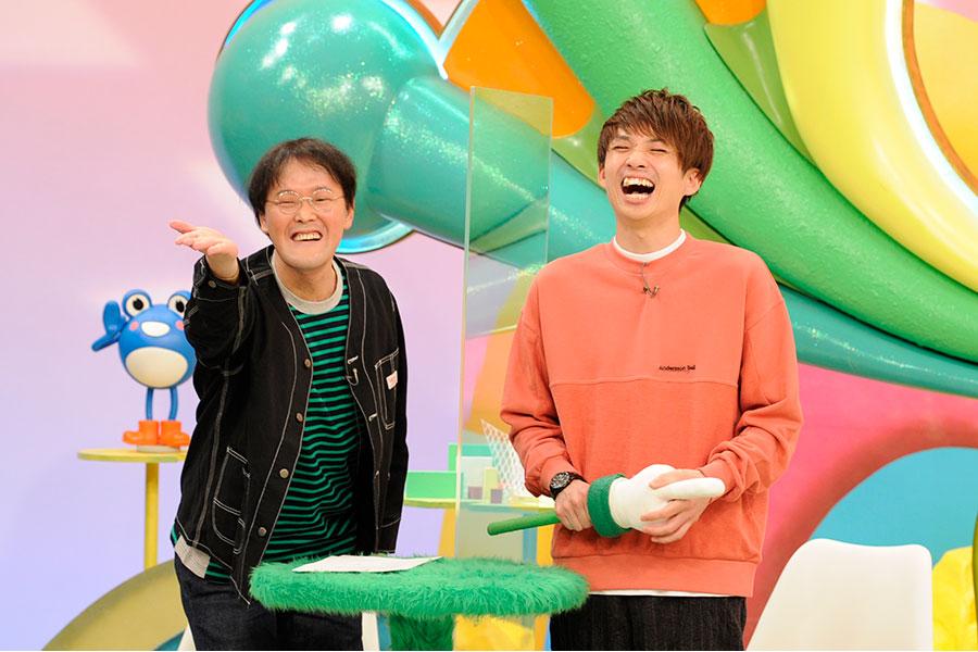 アニメ・漫画の名シーン再現に挑戦するアインシュタイン(左から稲田、河井)(C)ABCテレビ