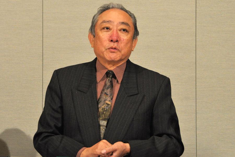 「うちの親父を悪く書くなよと、さんざんNHKさんにお伝えしました」と冗談めかした口調で語る渋谷天外(12月10日・大阪市内)