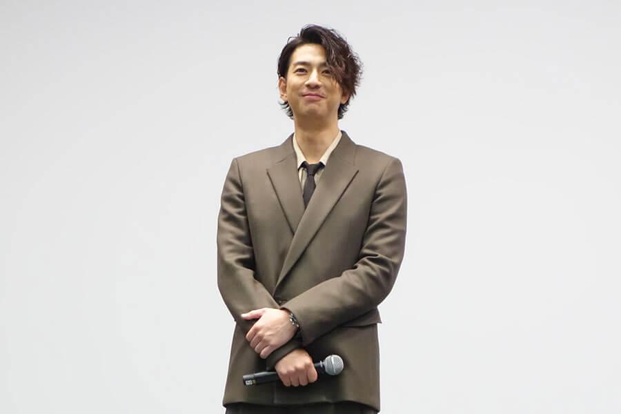 大阪完成披露イベントに登場した三浦翔平(3日・大阪市内)