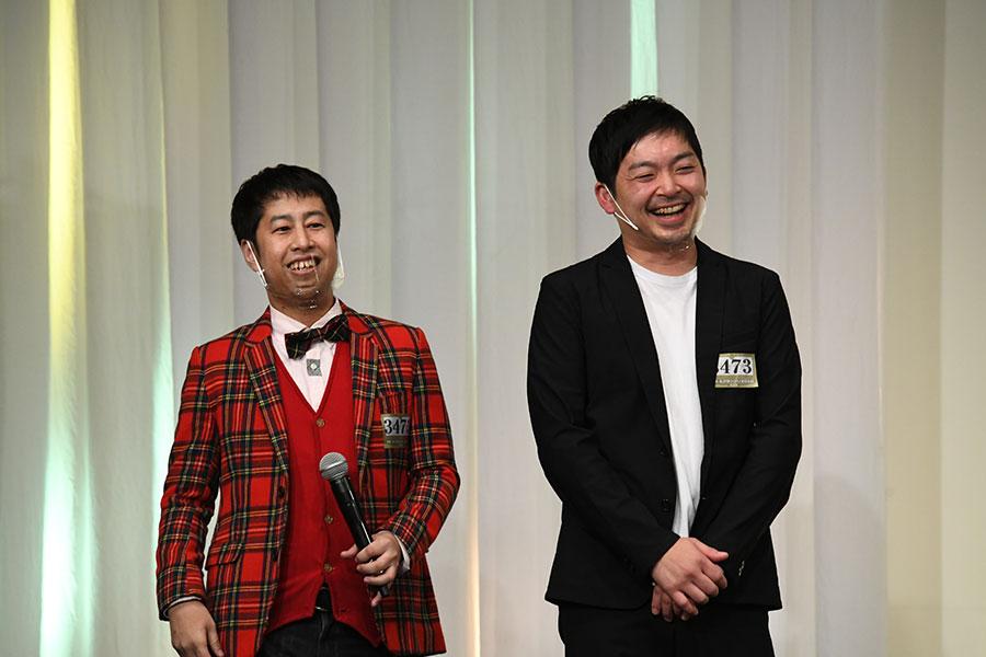 会見に登場したウエストランド (左:井口浩之 右:河本太)(C)M-1グランプリ事務局
