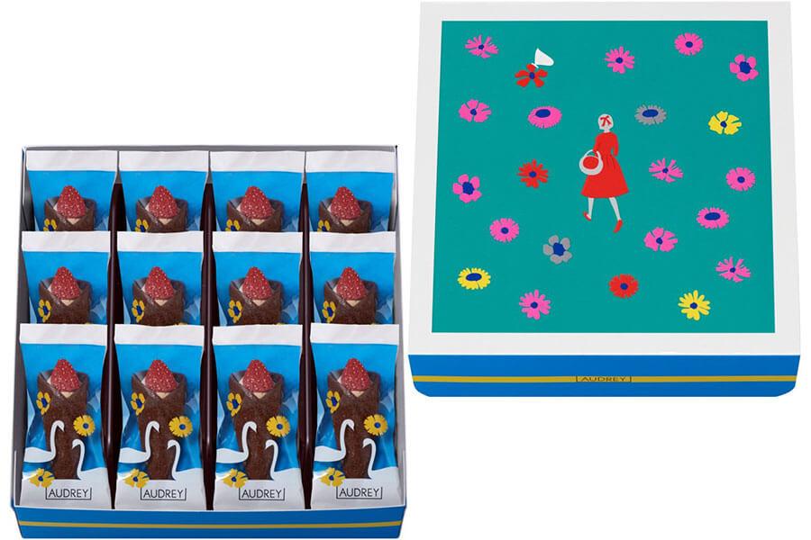ドライいちごとクリームを花束に見立てた「グレイシアチョコレート」のバレンタイン限定パッケージ(5個入773円、8個入1080円、12個入1620円)