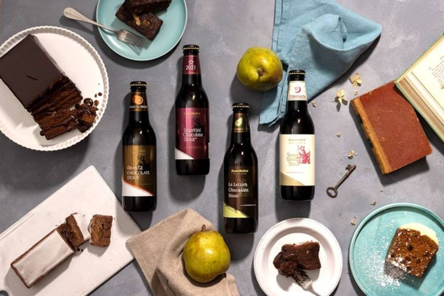 左から「オレンジチョコレートスタウト」・「インペリアルチョコレートスタウト」・「ル レクチェ チョコレートスタウト」・「スイートバニラスタウト バレンタインラベル」