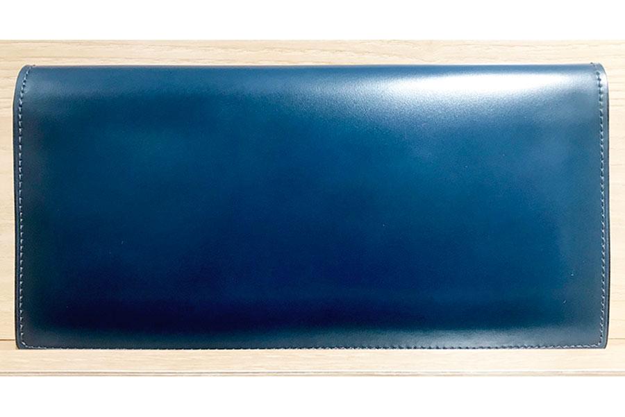「大丸梅田店」で販売されているキプリスの財布31900円(9階紳士雑貨売場)