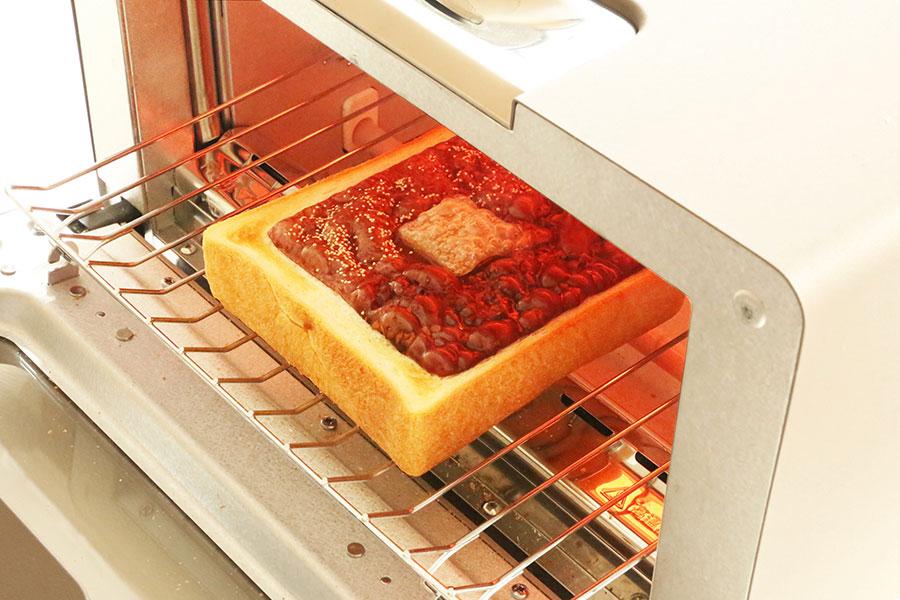 トースターで羊羹が少し沸騰するまで焼き、とろっとしたフォンダンショコラ風に食べるのもおすすめとか