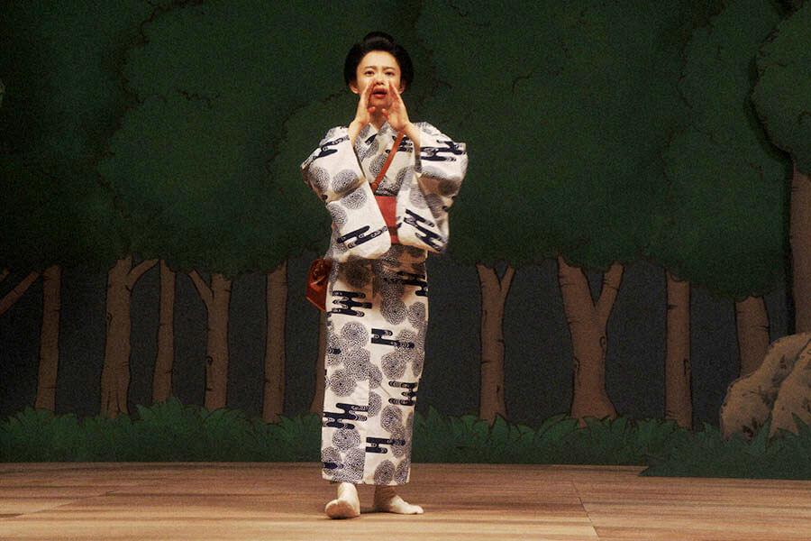 舞台稽古をする竹井千代(杉咲花) (C)NHK