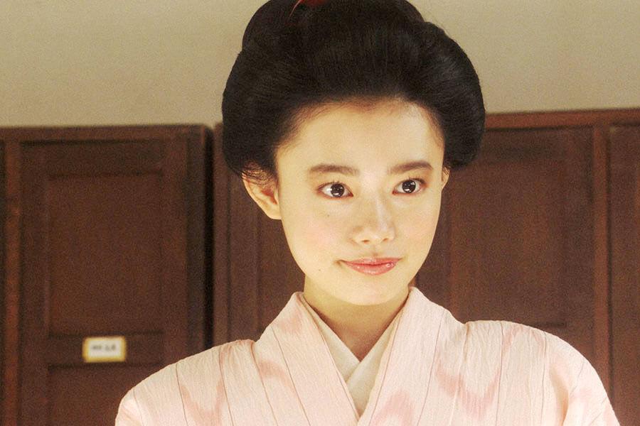 「鶴亀撮影所」で新作映画の試験を受ける竹井千代(杉咲花) (C)NHK
