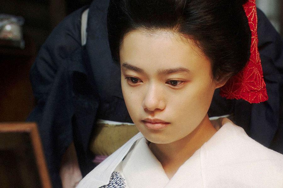 撮影所の美粧部で、柳たつ子にあることを言う千代(杉咲花) (C)NHK