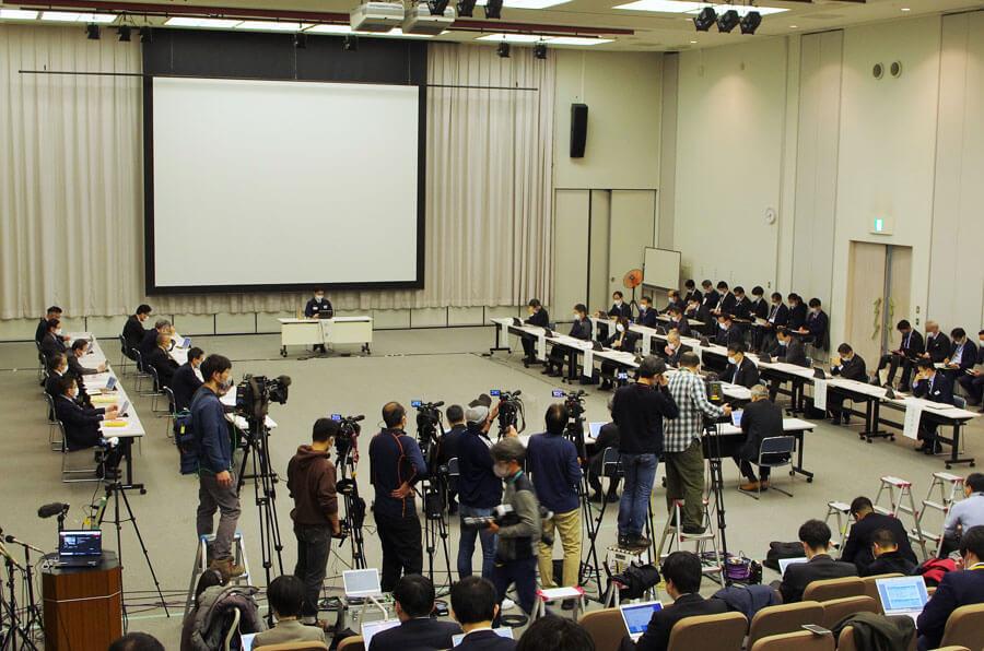 大阪府の『新型コロナウイルス対策本部会議』の様子(1月12日・大阪府庁)
