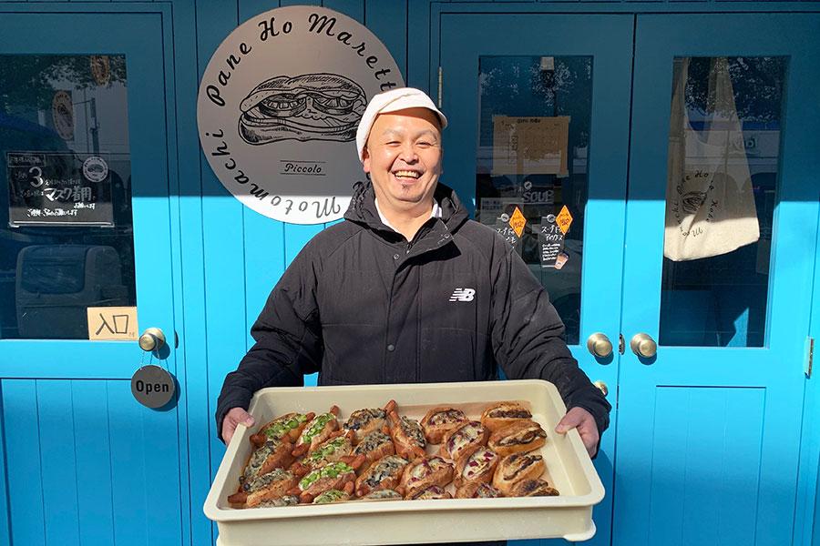 焼きたてのパンを本店から配達するオーナーブーランジェ西脇健介さん