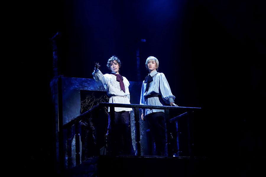 美しき孤独の共鳴、明日海りお×千葉雄大の舞台『ポーの一族』