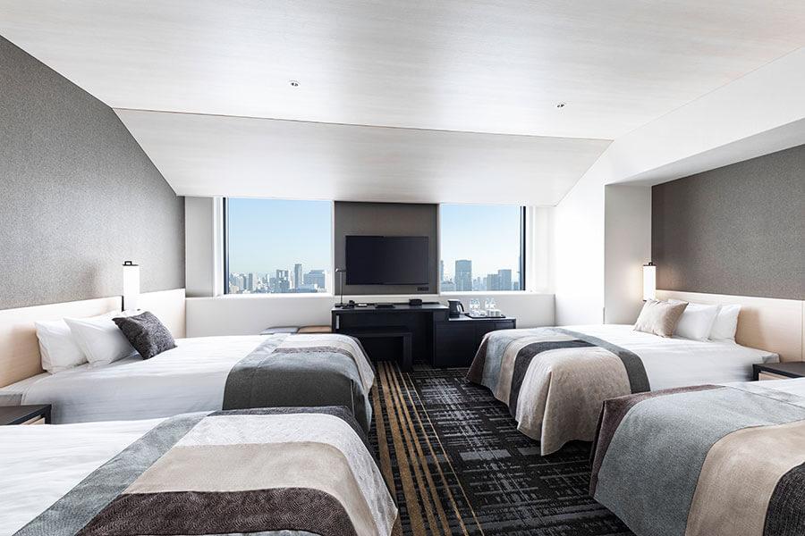 「ホテル阪急レスパイア大阪」では、4人でもくつろいで宿泊できる客室「フォース」も。バストイレはセパレートで、洗面台も2台あり