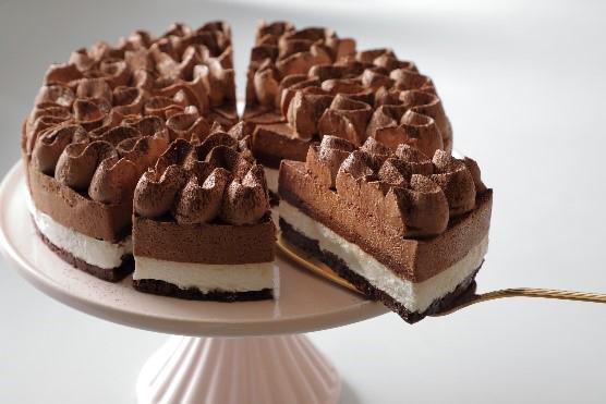 「クラシックチョコレートケーキ」440円(税別)1月20日より販売 ※なくなり次第終了