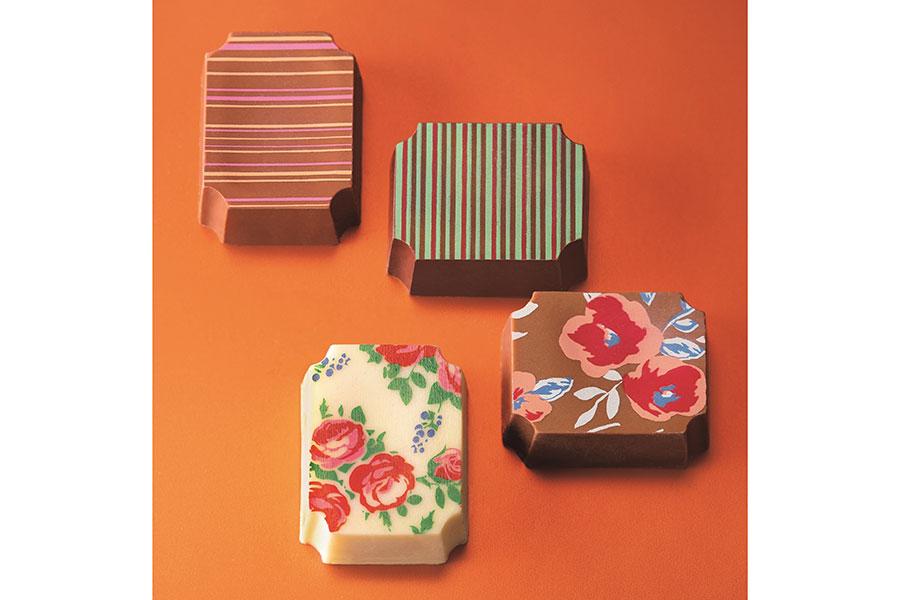 百貨店初登場のベルギーブランド「デプラポール ショコラティエ」。写真はバラ柄のチョコも楽しめるRose Limitee(ローズリミテ)4個入1801 円(店頭・WEB販売あり)