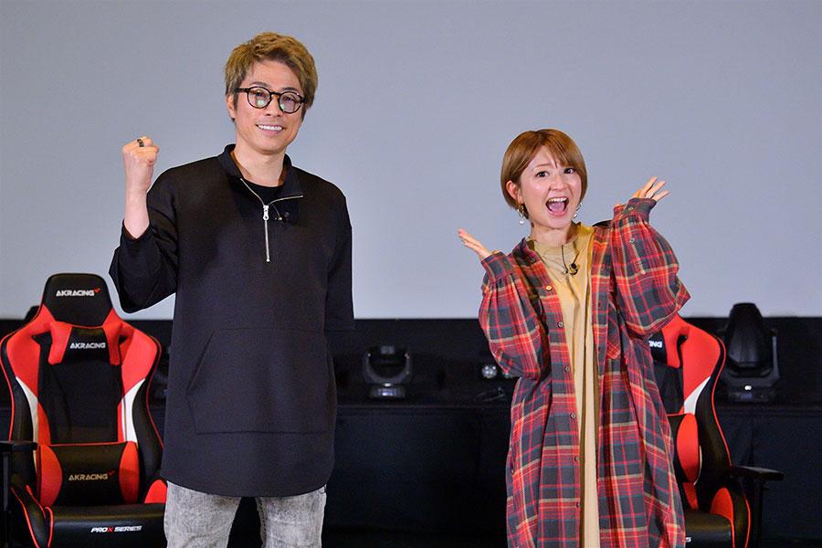 「タイトルどおり、妻のビキニがこのゲームのキモ。より多くの方にプレイしていただきたい」と話す田村淳(左)と、矢口真里(写真提供:MBS)