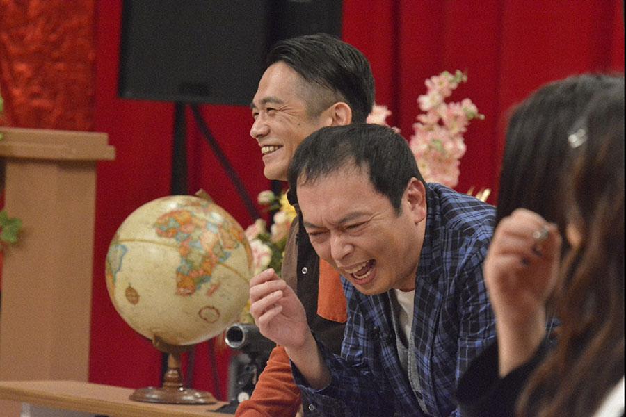 兄・剛(左)が語る幼少期の礼 二の強烈エピソードにダウンタウンも大爆笑 (C)ytv