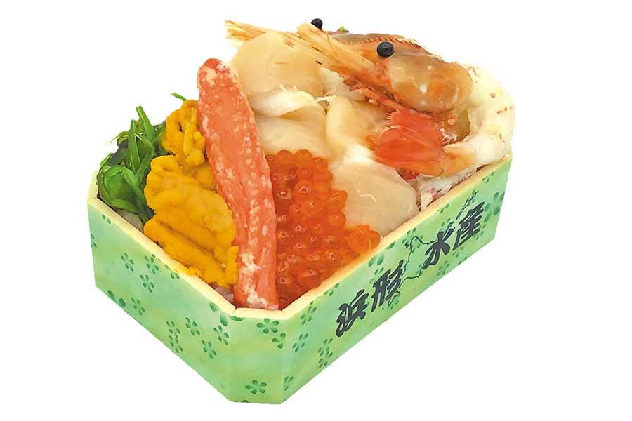 「カネフク浜形水産」の「京海浜弁当」(2160円)