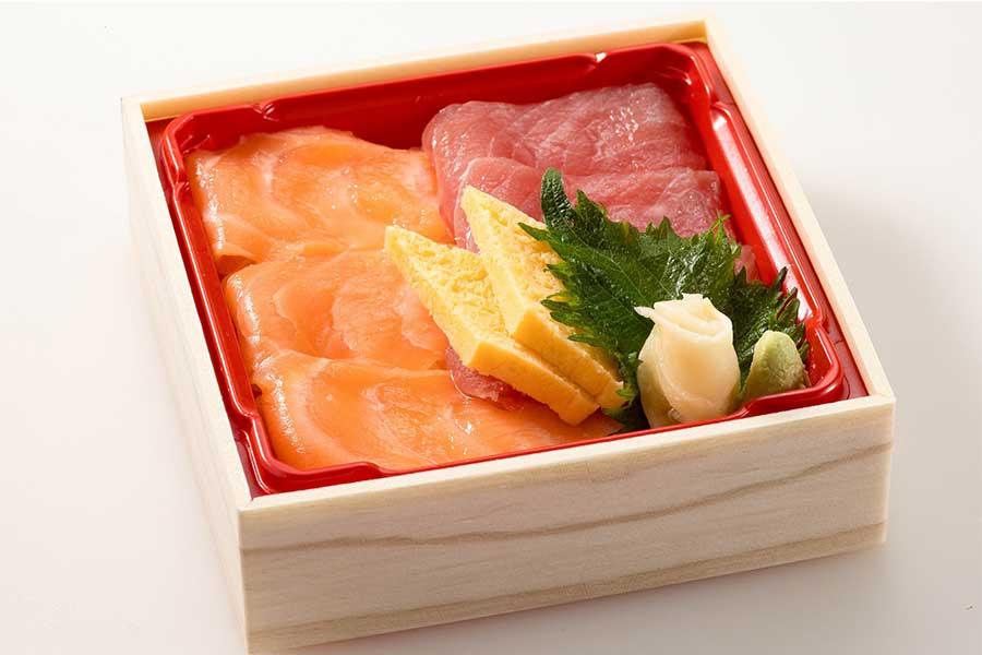 まぐろとサーモンのちらし寿司(テイクアウト999円/宅配1190円)