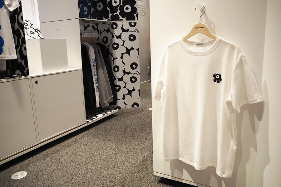 オープン記念の同店限定カラー・ウニッコのワンポイントTシャツ(16500円・300着限定)