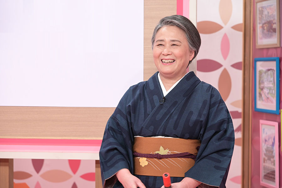 先生として出演する俳人・夏井いつき(写真提供:MBS)
