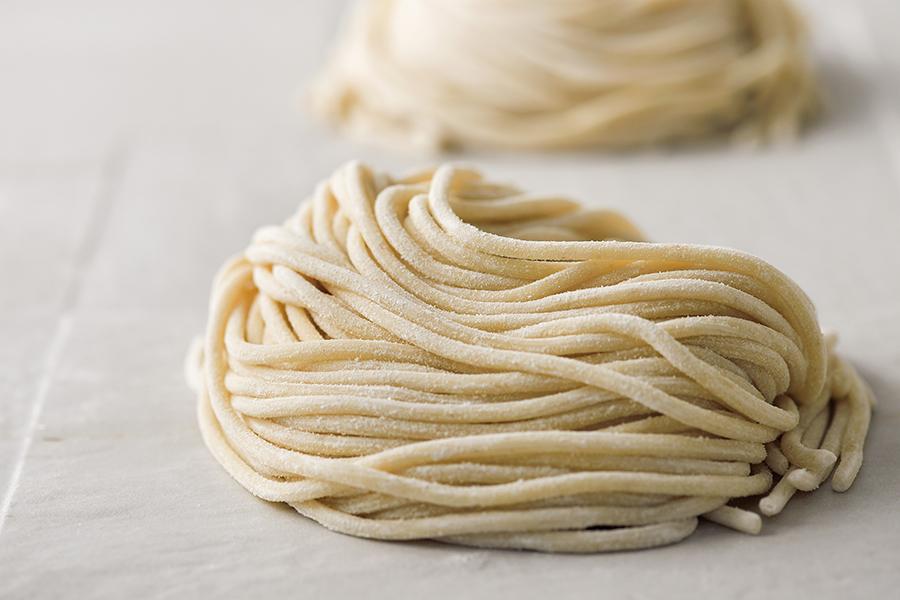 淡路島産小麦を使った直径3ミリの生パスタ「ピチ」