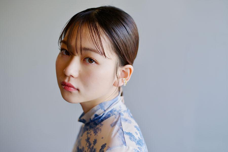10歳でモデルとしてデビューし、近年は映画、ドラマなど女優としての活躍もめざましい山田杏奈