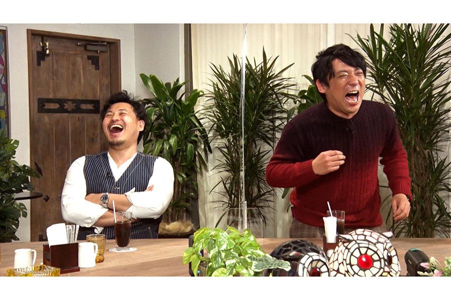 左からアルコ&ピース平子、酒井(C)ABCテレビ
