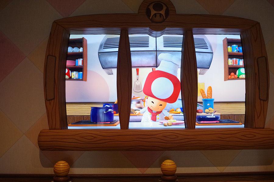 シェフピノキオが笑顔でお出迎え。おすすめのメニューを紹介してくれる